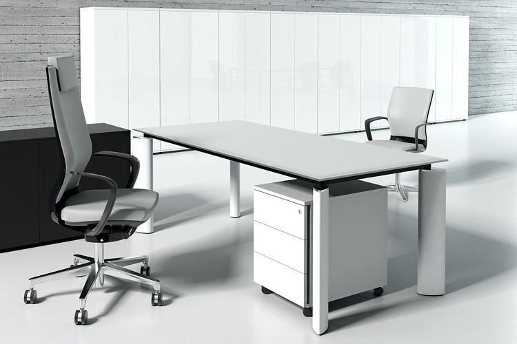 Büroschreibtisch mit Glas und Stahlfüße weiß
