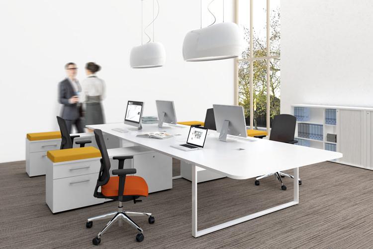 großer Büroschreibtisch YAN 4-Personen