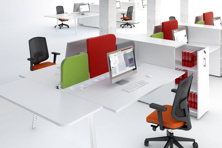 Großraumbüro Einrichtung hochwertig