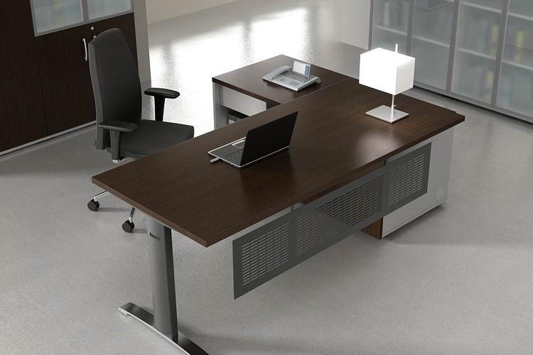 Schreibtisch mit Knieblende Büromöbel