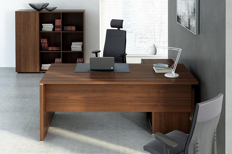Büro Schreibtisch mit Sideboard