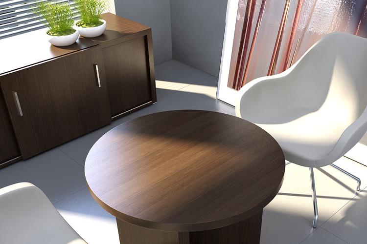 Beistelltisch mit Stühlen